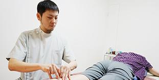 「肩こり・腰痛から原因不明の症状まで」幅広く対応できる鍼灸施術です。